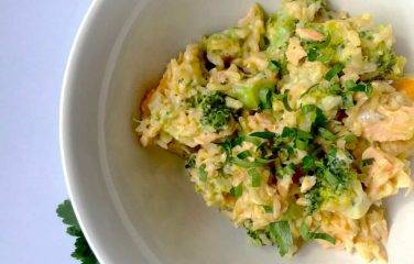 roerbakei met broccoli en zalm