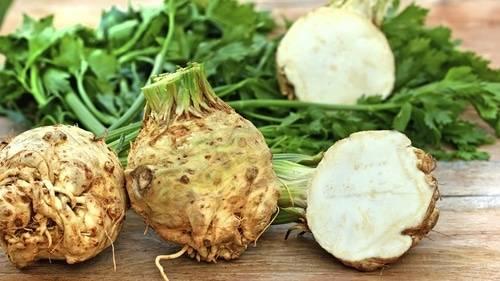 Knolselderij is een koolhydraatarm alternatief voor aardappel en maakt een heerlijke puree.