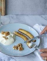 gebakken banaan met walnoten