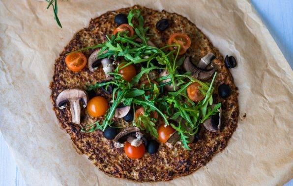 Koolhydraatarme pizzabodem van bloemkool