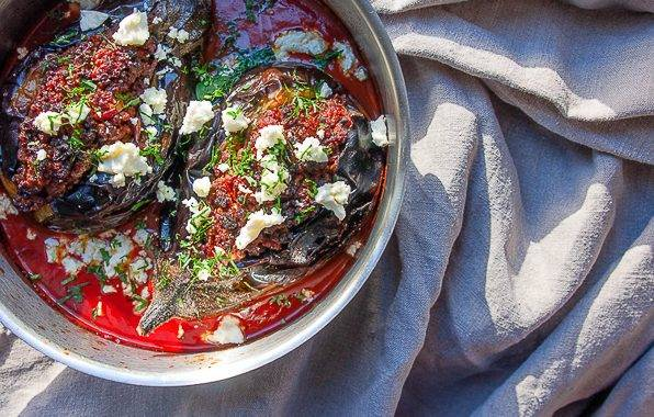 Oosterse oven aubergine met feta en tomaten