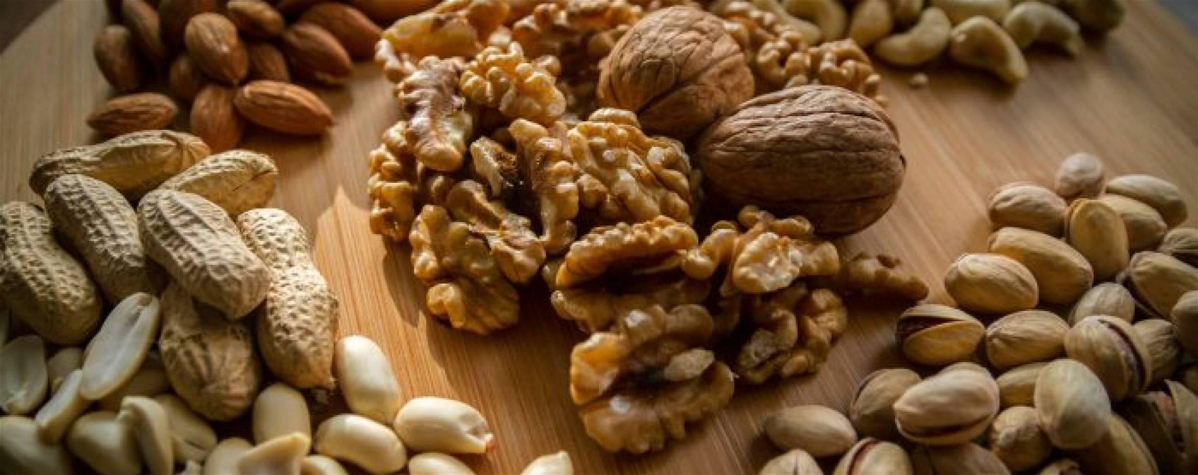 gezonde-noten-in-een-koolhydraatarm-dieet