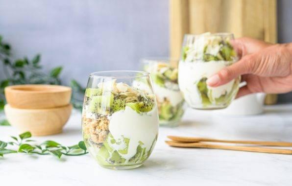 Griekse yoghurt met chia en kiwi