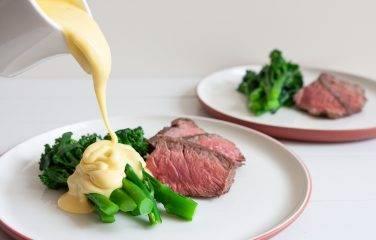 Keto recept broccoli met Hollandaise saus en biefstuk