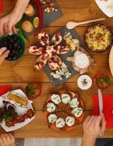 Tafel vol koolhydraatarm eten