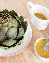 Makkelijke artisjok koken met Franse mosterd vinaigrette