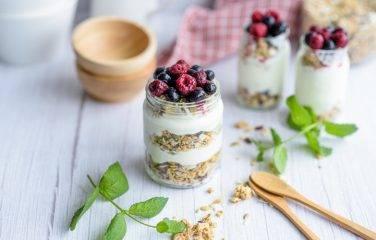 Griekse yoghurt met rood fruit