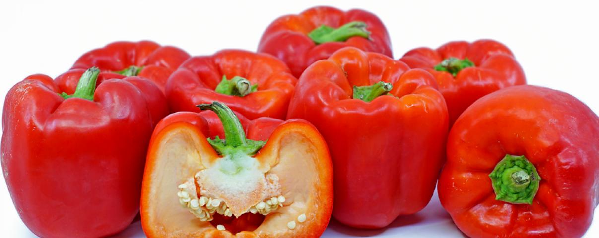 Rode paprika is een smakelijke toevoeging rijk aan vitamine c