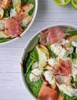spinazie salade met morzzarella en parmaham
