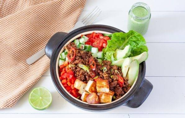 Keto taco bowl recept met avocado en gehakt