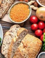 vezelrijk eten doe je met granen, groente en fruit.